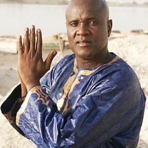 Ismaël Lô (Biography) | Afro Video